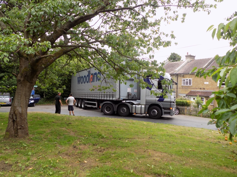 Lorry in Luxted Road